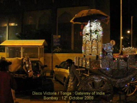 Disco Victoria / Tonga : Gateway of India, Bombay