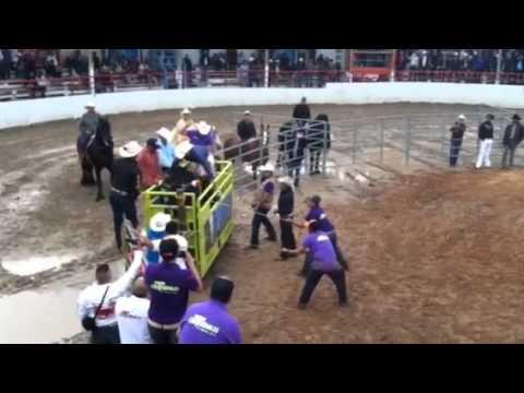 Rancho Los Terribles En La Herradura de Joliet IL. de YouTube · Duración:  7 minutos 2 segundos  · Más de 1.000 vistas · cargado el 24.05.2012 · cargado por Eddie Mercado
