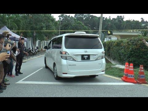 Najib returns home day before MACC appearance