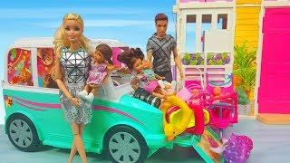 Barbie ve Ailesi Bölüm 133 - Barbie ve Ailesi Tatile Gidiyor - Çizgi film tadında Barbie oyunları