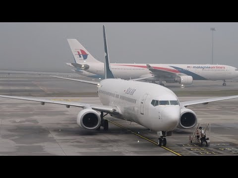 flying-silk-air-from-kuala-lumpur-to-singapore-on-a-b737-800