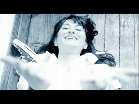 luthea-salom-blank-piece-of-paper-official-music-video-luthea-salom
