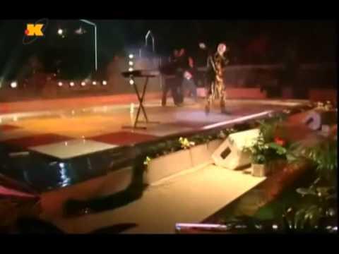 Dino Dvornik - Udri jace manijace (ZagrebFest 90')