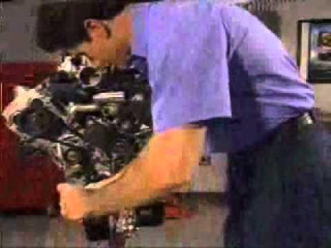 Timing an Isuzu 32/35 late model engine - YouTube