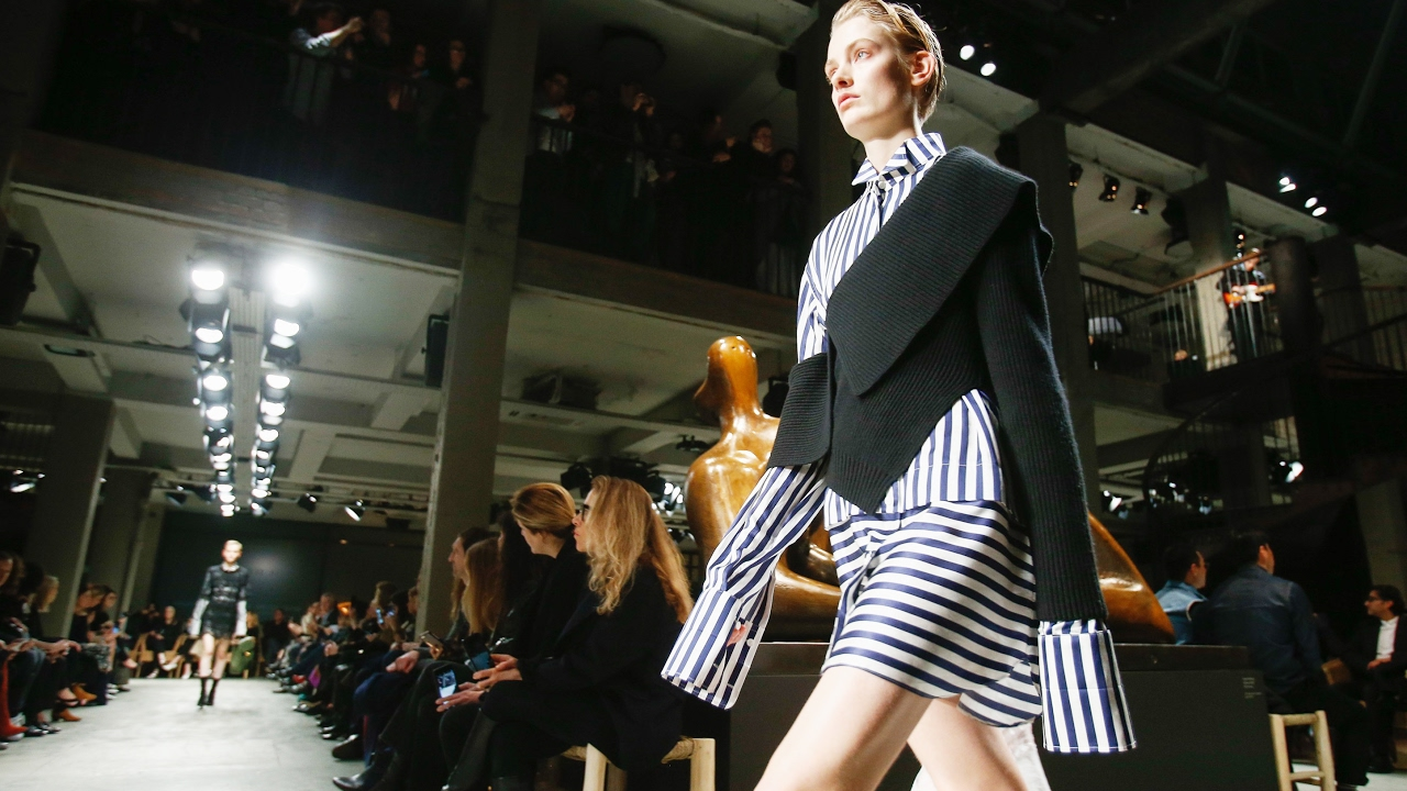 3303ba830f32 Burberry Fashion Show Fall 2017
