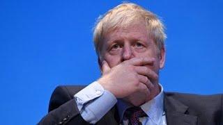 Polizeieinsatz: Boris Johnson wird mit Fragen gelöchert