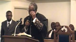 Pastor Willie James Mangruen Preached The Word Of God In Revival.