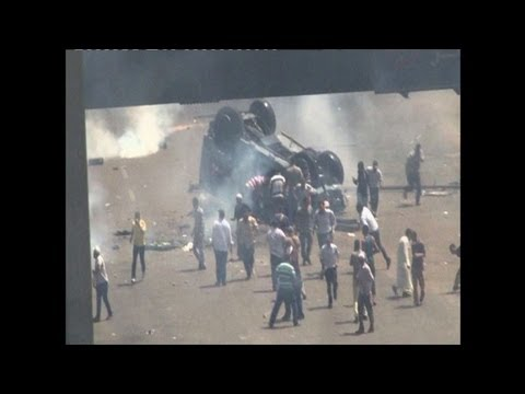 Egypt crackdown sparks clashes in central Cairo