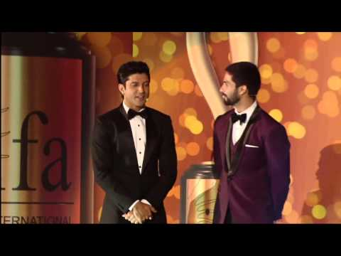 Watch Kareena Kapoor praise Shahid Kapoor at IIFA Awards 2014