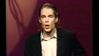 """Hans Teeuwen - uit """"Hard & Zielig"""" (Cabarestafette 1994)"""