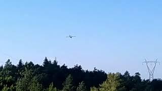 Canadair si rifornisce sul Lago di Bilancino
