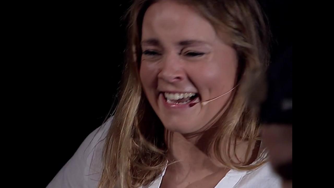 Ikke lov å le: Helene Olafsen vs. Erik Follestad - YouTube