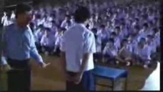 Nauczyciel bije ucznia w szkole. Nasza klasa taka nie była
