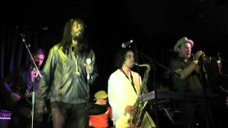 Cornel Campbell and Soothsayers - No Man's Land (live)
