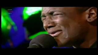 Labrinth - Let The Sunshine *AMAZING* (Live T in the park / Acoustic 2011)