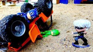 Герои в Масках попали в аварию! Видео с игрушками для мальчиков.