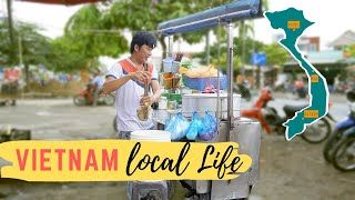 Vietnam: Wonton Soup Stall single shot of local life