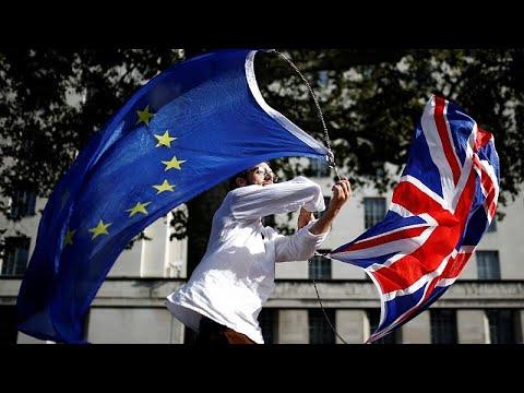 شاهد: مئات آلاف البريطانيين يخرجون في مسيرة وسط لندن رفضا للبريكست مطالبين باستفتاء ثان…  - نشر قبل 11 ساعة