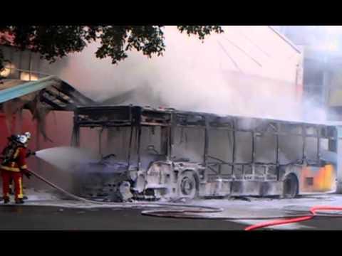 Bus 26 brulé  au Métro de Bougainville Marseille 15ème Arrondissement