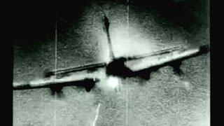 戦闘機の空中戦 P 51等が独Fw 190を撃墜 米爆撃機B 17撃墜