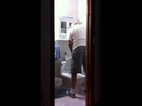 Indian old grandpa spy in public toilet get