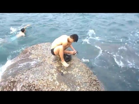 Tắm biển Tiên Sa Beach