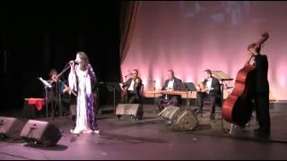 Nidal Ibourk - نضال تغني ليلى مراد حيرانة ليه