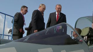 В день открытия авиакосмического салона МАКС новинки осмотрели президенты России и Турции.