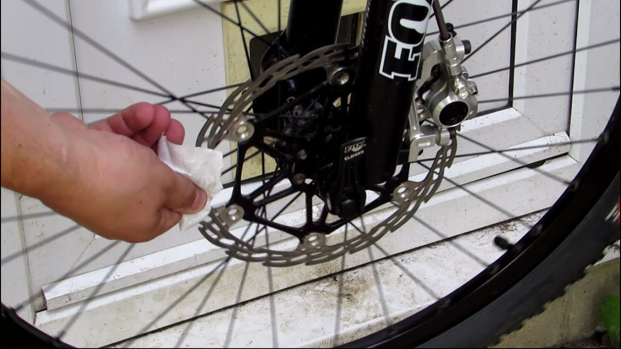 Cleaning Mountain Bike Brakes With Weldtite Rotor Wipes