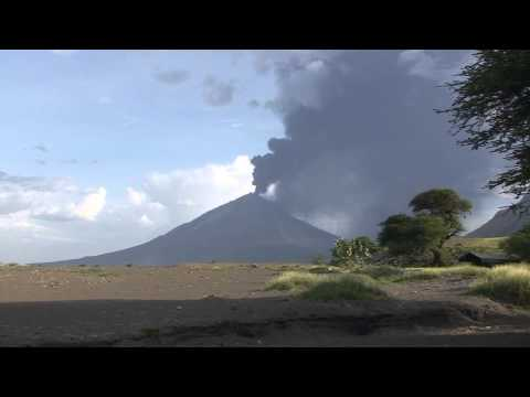 Oldoinyo Lengai Eruptions  (#1) 03-04-2008 to 05-04-2008