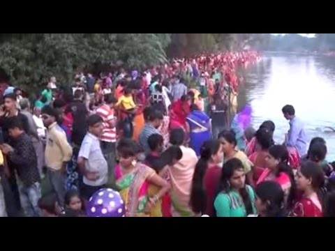 Indian Festivals | Chhat Puja - 2016 At The Controversial Ra