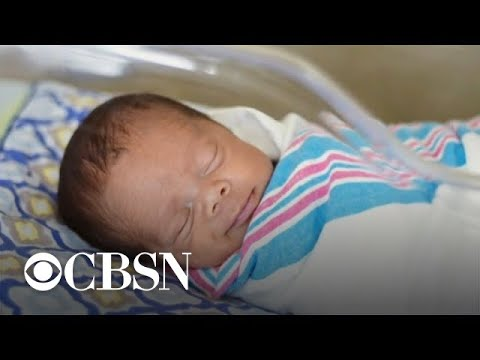 U.S. birth rate at record low in 2018, CDC says