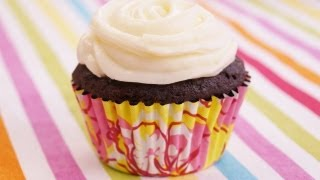Banana Chocolate Cupcakes Recipe: W/cream Cheese Frosting: Easy! Diane Kometa: Dishin' With Di #81