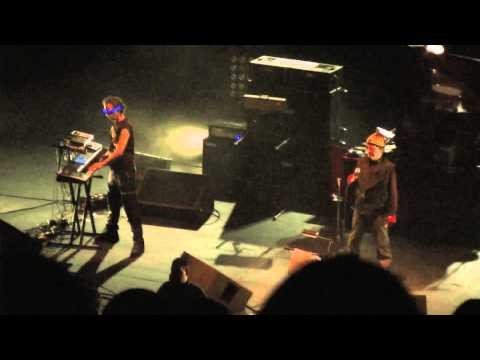 Suicide (Alan Vega & Martin Rev) play 'Suicide' live in London 2010 supporting Iggy Pop