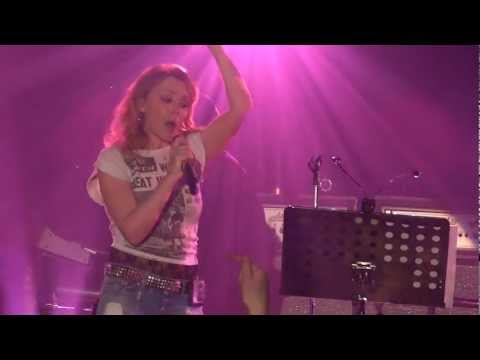 12 - Kylie Minogue - Too Much (Live @ Anti Tour 2012) HD