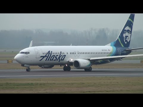 Alaska Airlines 737-800 [N579AS] Takeoff Portland Airport (PDX)
