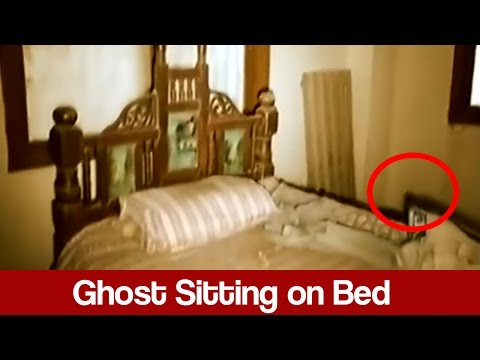 Woh Kya Hai 1 January 2017 - Ghost Sitting on Bed - Express News
