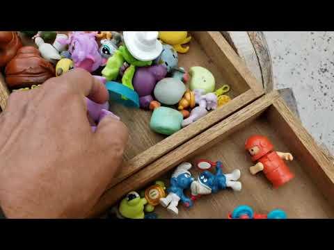 EN BUSCA,,de,toys,colleccionables,en Industry, city,  flea ,market (tianguis)brooklyn