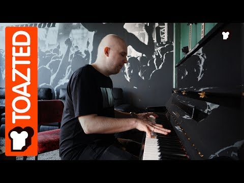 """Alexander Popov playing a part of """"Eyes to Heaven"""" on Piano 