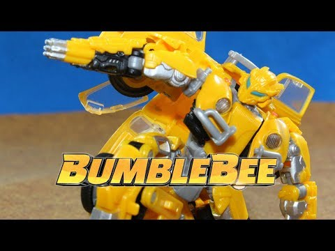 TRANSFORMERS: BUMBLEBEE - BUMBLEBEE VS THUNDERCRACKER [STOP MOTION]