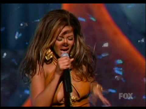 Beyonce - Crazy In Love (Live at the Essence Awards)