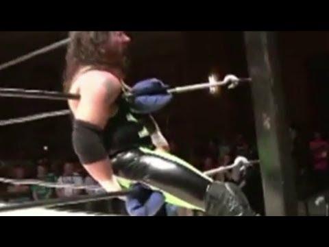 Wrestler rips anus in match [raw video]