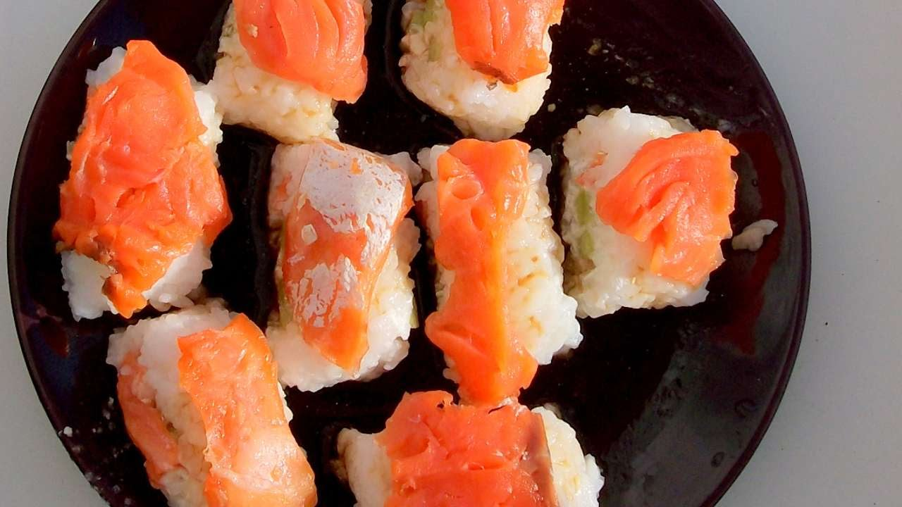 how to to make sushi without paper from seaweed diy food drinks