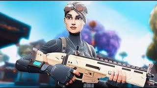 HACKER USES AIMBOT IN FORTNITE//+21 KILL FULL PARTY THEREALKUMA (STREAMER507)