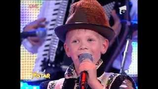 Stefan Onofrei-Gradinariu canta perfect muzica populara