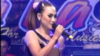 Savala For Land Music 2015 - Bukan Tak Mampu  by Aza Sintia - live Batealit