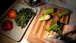 Вкусный и полезный салат с рукколой и авокадо