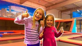 vuclip Amelia, Avelina and Akim having a fun adventure vlog in a trampoline bounce center
