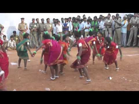 Chhattisgarhi dance and suva geet in schools