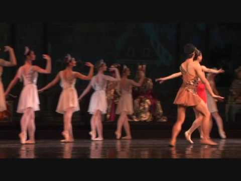 Dianna and Acteon in Esmeralda.   Kazan Opera Ballet Theatre Terada Midori Okawa Koya